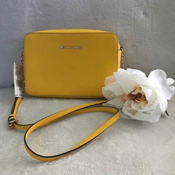 8fd30d113ae3 Michael Kors Bags | Jet Set Travel Lg Crossbody Handbag | Poshmark